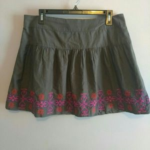 American eagle grey skirt with embroidery L